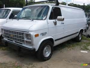 1995 chevrolet chevy g20 cargo in white photo 2