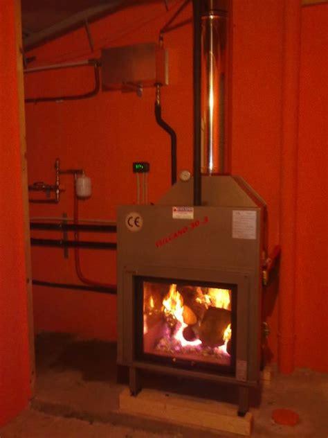 impianto a pavimento con termocamino termocamini sistema a termocamini riscaldamento con