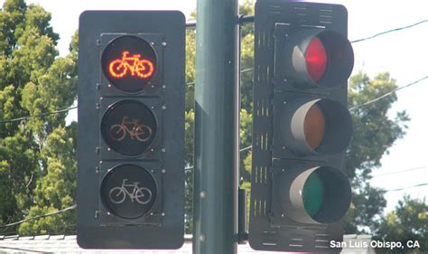 bicycle signal heads national association  city transportation officials