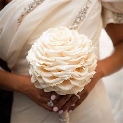 buche di fiori per sposa un bouquet per ogni sposa le tendenze 2016