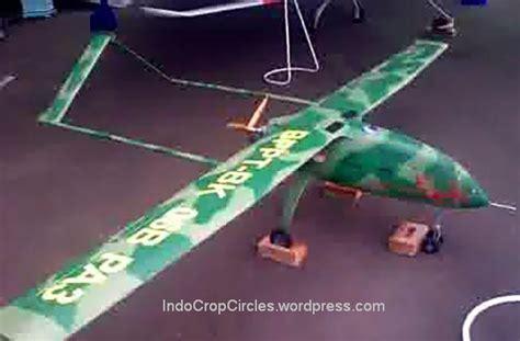 Topi Loreng Angkatan Laut Kri model model drone buatan indonesia banyobiroe