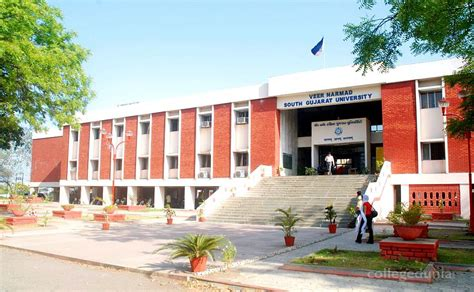 Dbim Surat Mba Fees by Arts Commerce And Science College Surat Courses Fees