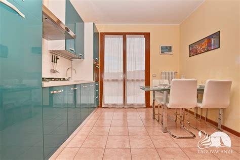 Vacanze In Appartamento by Appartamento Vacanze In Residence A Manerba Garda Con