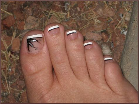 toenails design how you can do it at home pictures