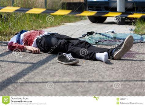 portraits crachs un accident mort apr 232 s un accident de voiture photo stock image 46450774