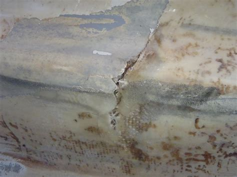 how to repair a hole in a fiberglass bathtub how to repair a fiberglass boat hull the how 2 website the how 2 website