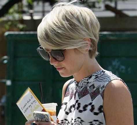 how does julianne hough style her pixie cut 15 julianne hough pixie haircuts pixie cut 2015
