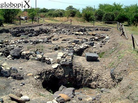 giardini naxos parco archeologico foto taormina parco archeologico di naxos 2 globopix