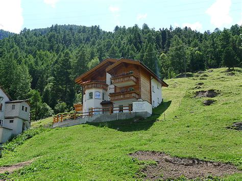 haus grund luxury self catered chalet haus piccolo ch3901 205 1
