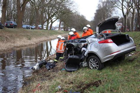 T Dlicher Motorradunfall A5 by T 246 Dlicher Unfall In Friesoythe 30 J 228 Hriger Schleudert Mit