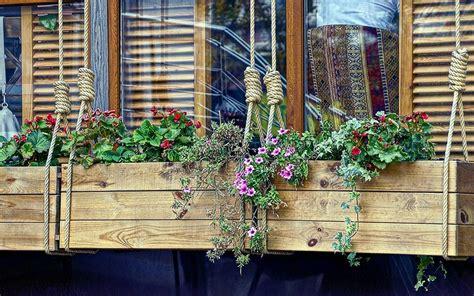create  perfect window box david domoney