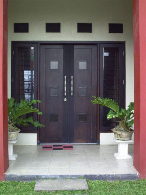gambar pintu rumah minimalis modern elegan  mewah