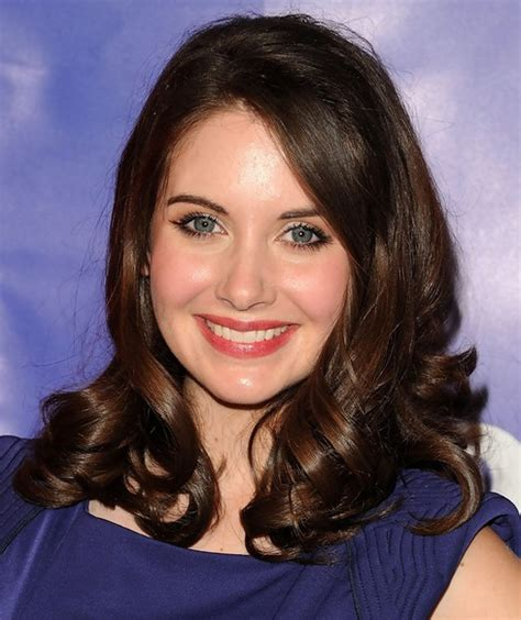 medium length hairstyles with side part 28 alison brie hairstyles alison brie hair pictures pretty designs