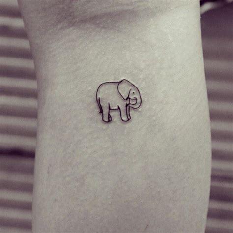 tattoo inspiration klein die 25 besten ideen zu kleine elefanten tattoos auf