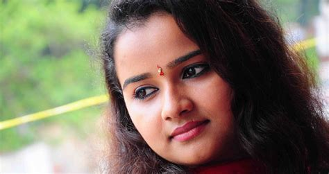 serial actress name malayalam serial actress kerala channel