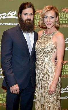 jessica robertson duck dynasty haircut take note kardashian s this is a family holiday card the