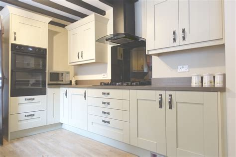 Premier Kitchen Design Country Fitted Kitchen In Newark Premier Premier Kitchens Bedrooms