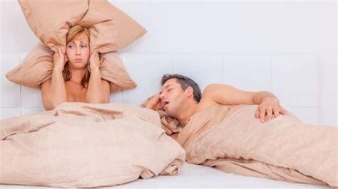 cuscini per non russare il vostro uomo russa ecco 4 rimedi per smettere di russare