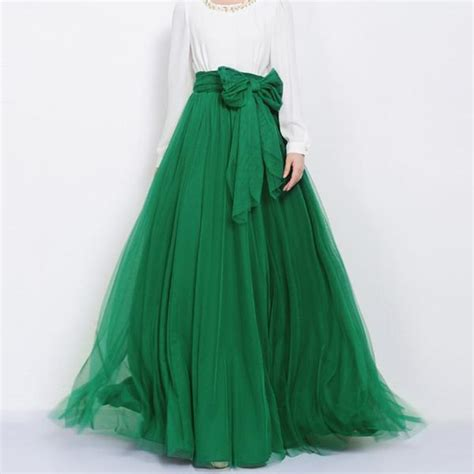 pink beige carpet and headboard skirt green beige walls emerald green tulle maxi skirt with bow sash and extra