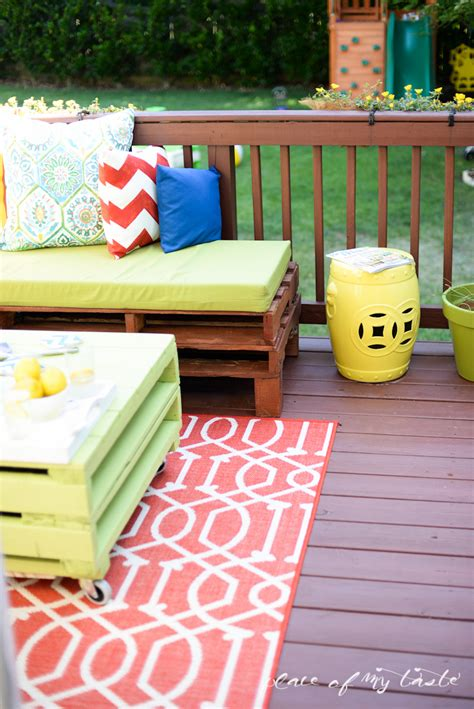 build your own furniture online diy pallet furniture a patio makeover