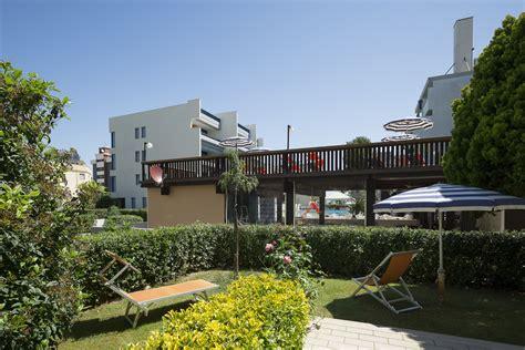 appartamenti sul mare abruzzo appartamenti sul mare a villa rosa di martinsicuro in abruzzo