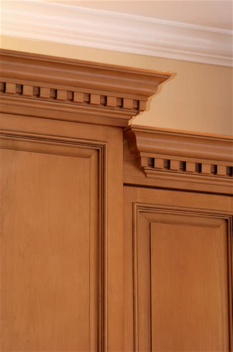 sophisticated crown moulding in kitchen