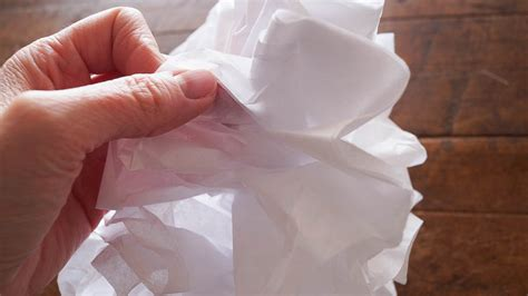 What Can You Make With Tissue Paper - how to make tissue paper flowers white lace cottage