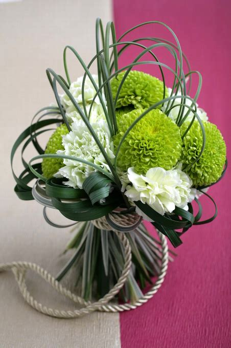 Brooch Corsage Pompom Orange 2 pom bouquet 和装ブーケ green white contemporary arrangement wedding bouquet the bouquet