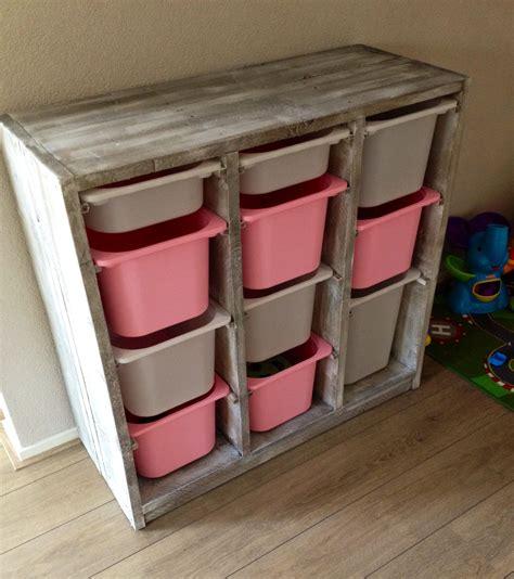 ikea buiten speelgoed steigerhouten speelgoed kast interior pinterest