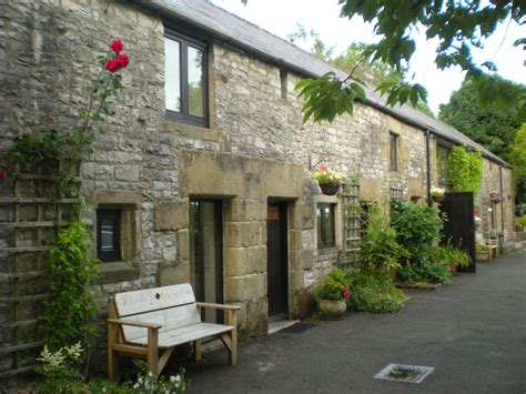Large Holiday Cottages For Family Breaks In The Peak District Cottages In Peak District