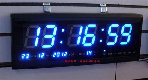 Wooden Digital Clock Jam Digital Besar Adding Elegance To Your Room Using Lighted Digital Wall