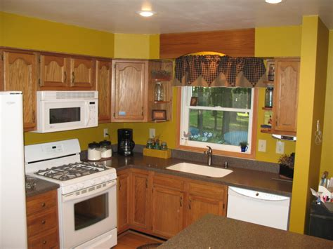 yellow kitchen walls