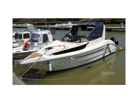 barche cabinate usate coverline 640 in toscana imbarcazioni cabinate usate