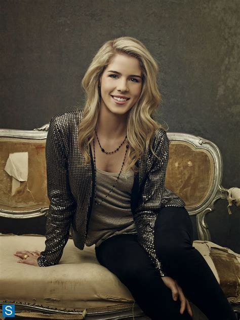 felicity smoak actress 17 best images about emily bett rickards fashion on