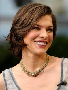 flattering low maintenance hairstyles 1000 images about actress milla jovovich on pinterest