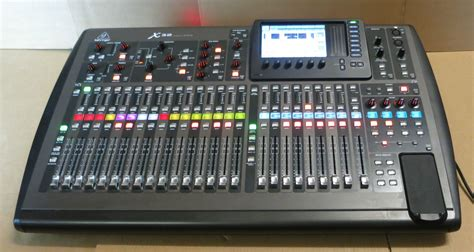 Mixer Behringer 32 Channel behringer x32 32 channel 40 input professional digital