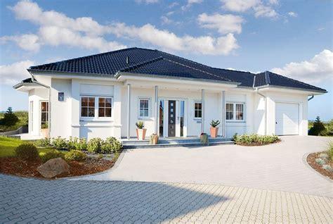 haus bungalow musterhaus bungalow modern emphit