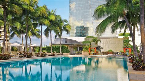 Miami Hotel   Luxury Hotel in Miami   Four Seasons Hotel Miami