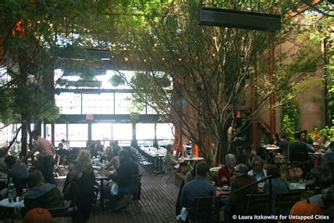 Garage Restaurant Nyc by Repurposed Parking Spaces And Garages In Nyc The Exley