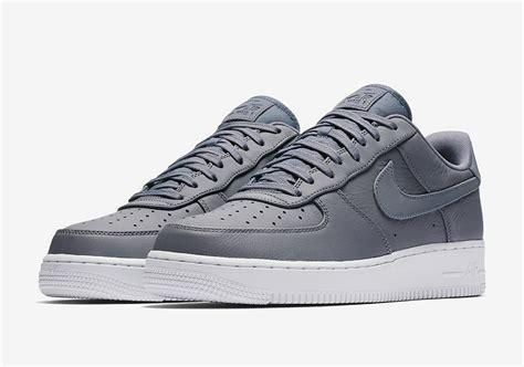 Nike Air Low Bnib Premium Sneaker nike air 1 low premium reflective swoosh pack sneakernews