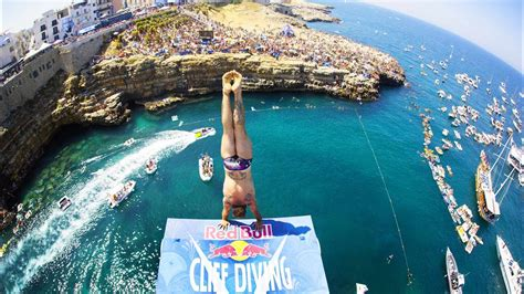 bull cliff dive these guys sure how to dive bull cliff diving