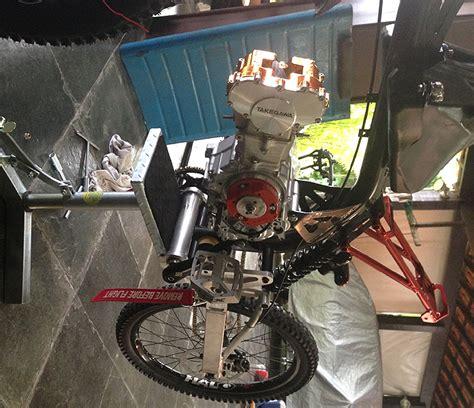 Modip Sepeda by Sepeda Gowes Trail Bermesin Motor Motoped Tmc Motonews
