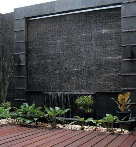 Air Mancur Batu Untuk Hiasan Meja Model Ulir Bola Putar design air terjun di dinding rumah menarik idenahrumah