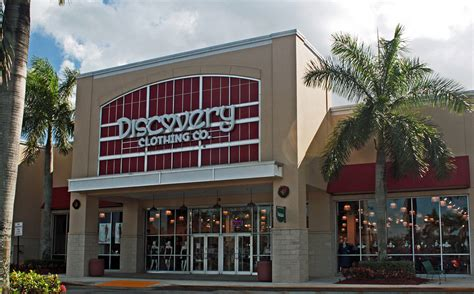 lighting stores coral springs clothing retailer opening in coral springs 187 coral springs