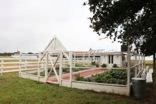 chip and joanna gaines houses chip and joanna gaines farmhouse minimalist