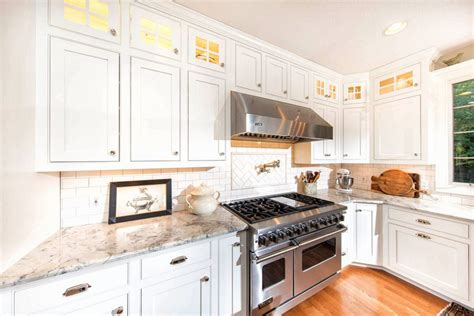 kitchen backsplash ideas with white cabinets 30 beautiful white kitchens design ideas designing idea