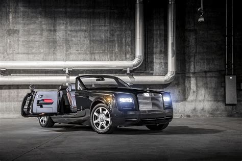 rolls royce debuts the phantom drophead coup 233 nighthawk