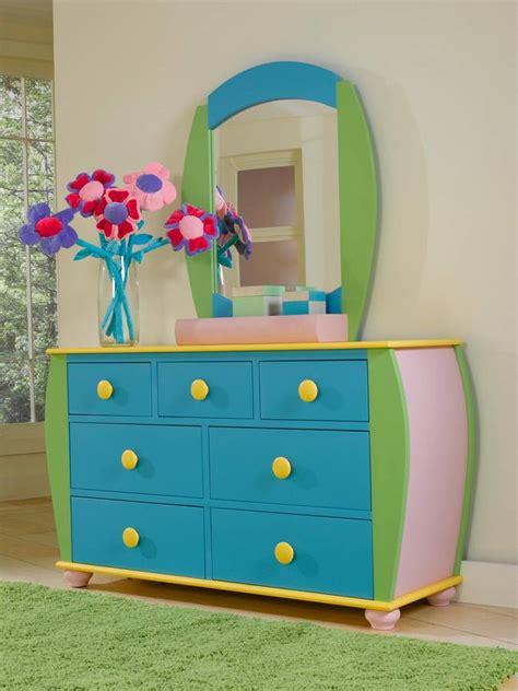 powell sunday funnies bedroom set pw  set  homelementcom