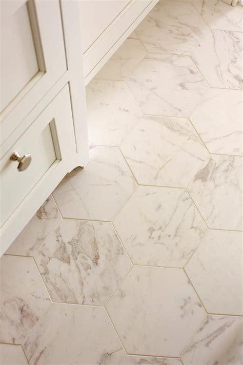 hexagon bathroom floor tile 25 best ideas about honeycomb tile on pinterest hexagon