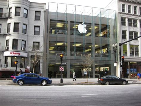 Garden City Ny Apple Store The Top Ten Awe Inspiring Apple Stores In The World